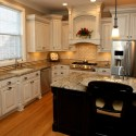 traditional-kitchen-cabinets 26